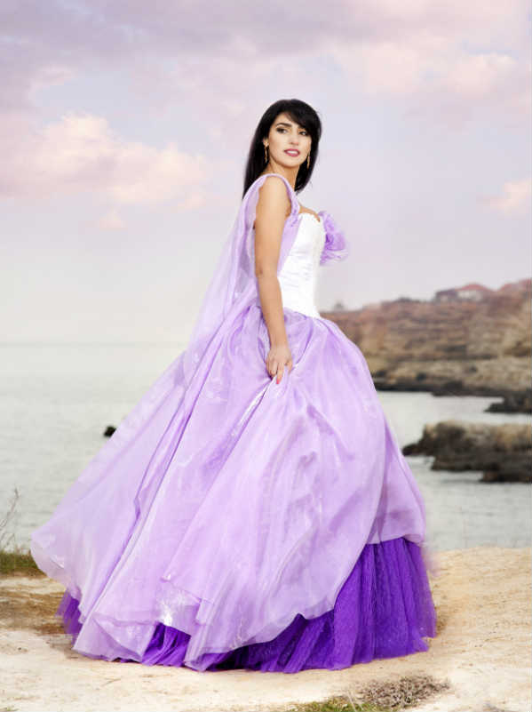 A Purple Wedding Dress Daringly Diffe